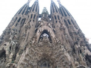 sagrada-familia-gaudi-side